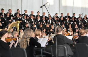 Kaunas State Choir and Kaunas City Symphony Orchestra at the Pažaislis Music Festival final concert. Edmundas Katinas' photo