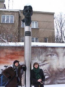 Two German students who studied in Vilnius University under Erasmus exchange program and took a photo next to the monument to Frank Zappa in 2010, 16th of February. Arūnas Vyšniauskas' photo.