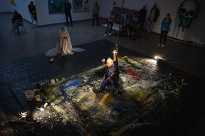 Actionist painting act Put a finer into my wound. Kaunas Picture Galery, 2015. Photo by Antanas Untydi.