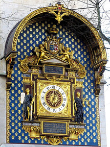 The both arms of the Republic of two nations on the clock tower of the House of Justice, 1585, Paris