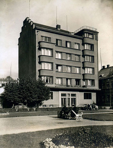 A. Funkas six-storey building in Vienybės a. 8, Kaunas, did not survive. Photo from knyga.kvb.lt
