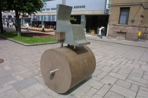 """Chair of Authorities"", 2005. Granite, stainless steel, h 200 cm, Laisvės Al., Kaunas."