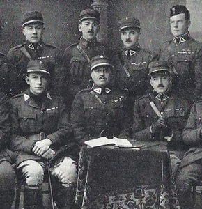 Frank Percy Crozier (sitting in the middle) in Lithuania
