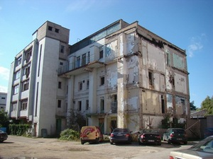 Abandoned building in the intersection of Vytautas Avenue and M.K.Čiurlionis Street